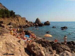 Блуждающий пляж Инжир возле Балаклавы
